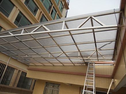 玻璃雨棚的建设